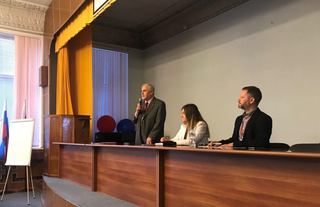 5 ноября 2019 г. в Институте глобального климата и экологии (ИГКЭ) прошел совместный семинар «Солнечная геоинженерия: научные основы, управление, неопределенности», организованный ИГКЭ и Инициативой по организации управления потоками солнечной радиации ЮНЕСКО (SRMGI)